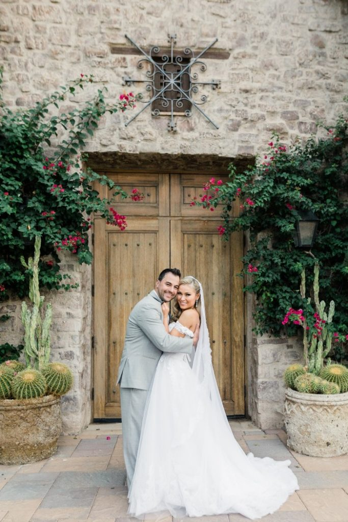 Desert Whim Arizona Outdoor Tuscan Wedding (20)