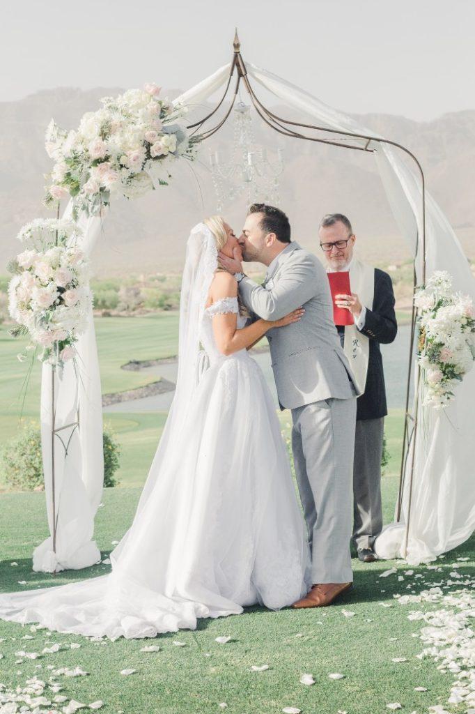 Desert Whim Arizona Outdoor Tuscan Wedding (8)