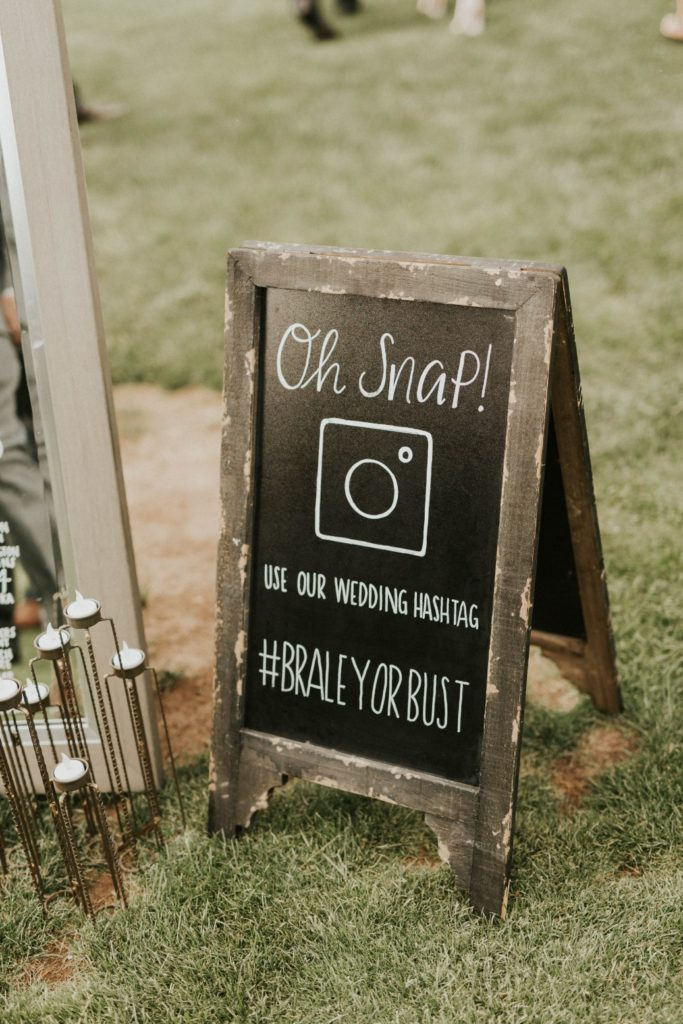 desert whim moody modern love arizona wedding (12)