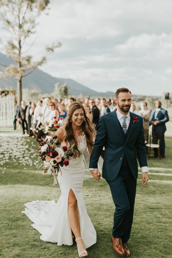 desert whim moody modern love arizona wedding (14)