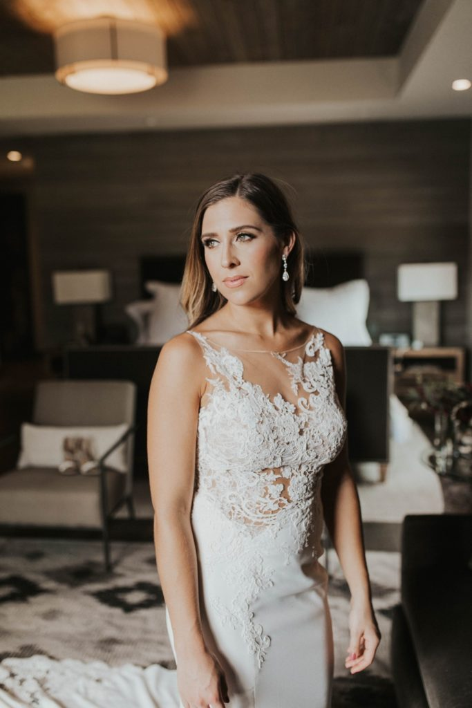 desert whim moody modern love arizona wedding (28)