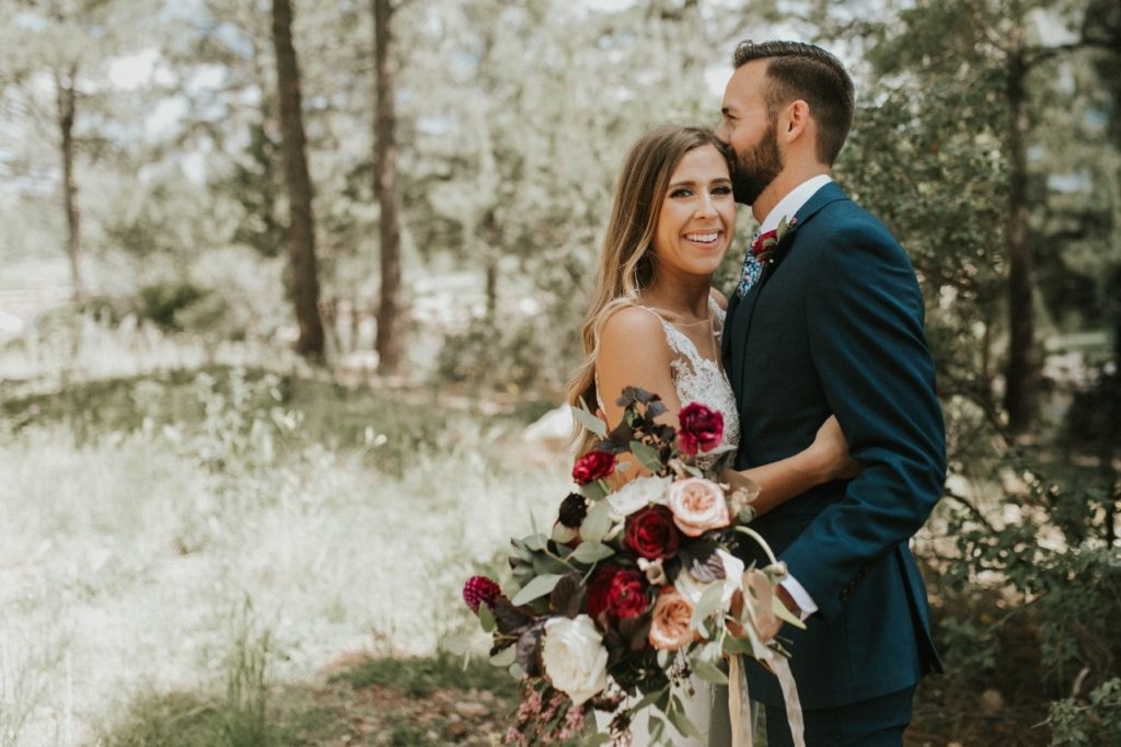 desert whim moody modern love arizona wedding (36)