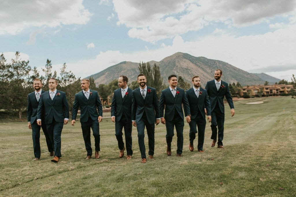 desert whim moody modern love arizona wedding (43)