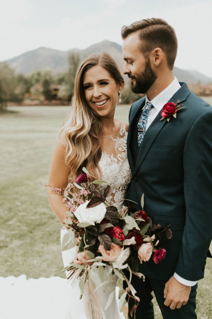 desert whim moody modern love arizona wedding (45)