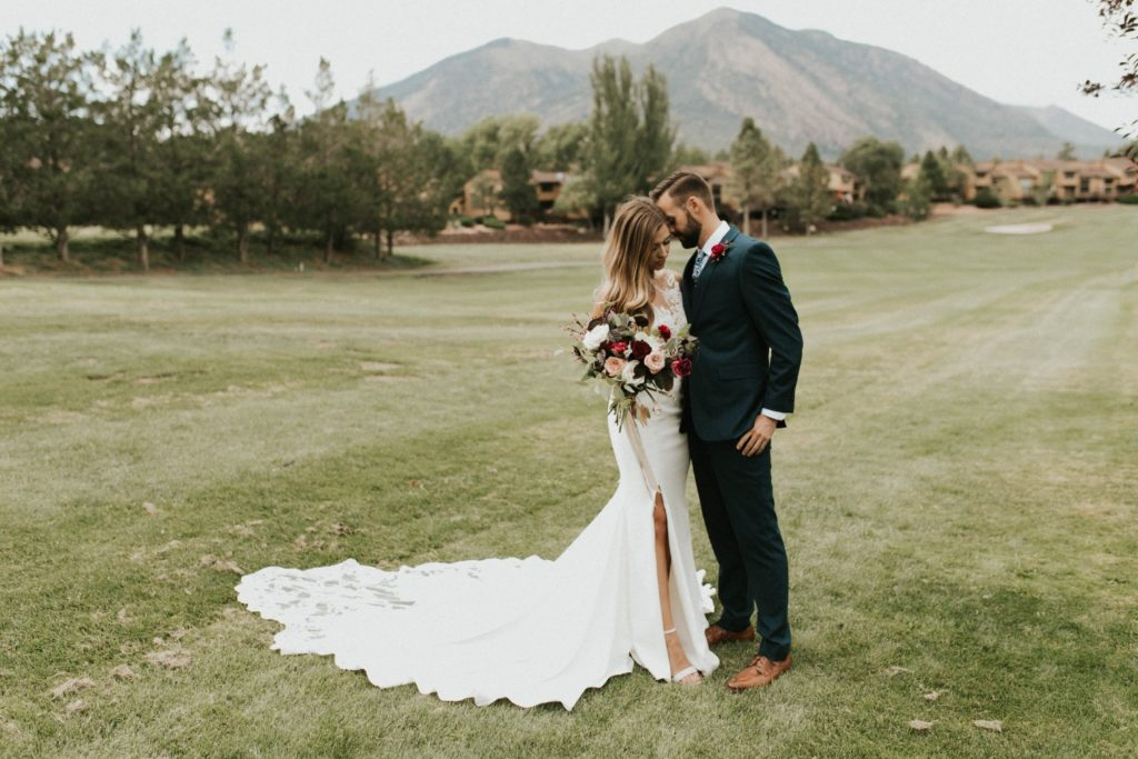 desert whim moody modern love arizona wedding (46)