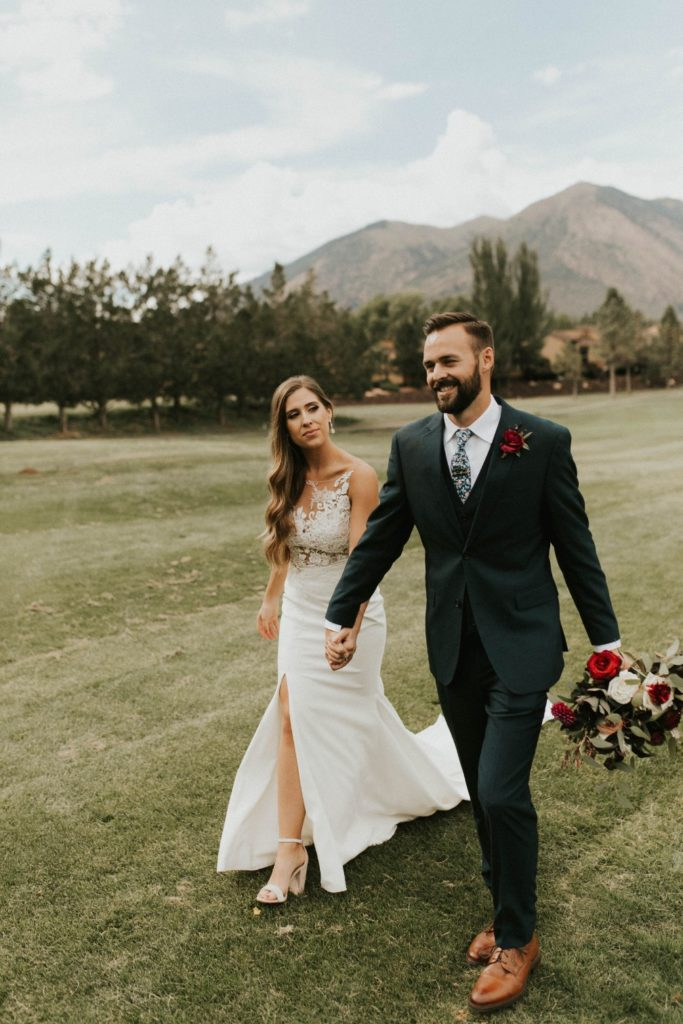 desert whim moody modern love arizona wedding (47)