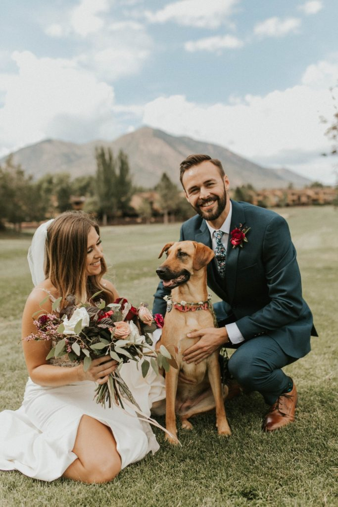 desert whim moody modern love arizona wedding (51)