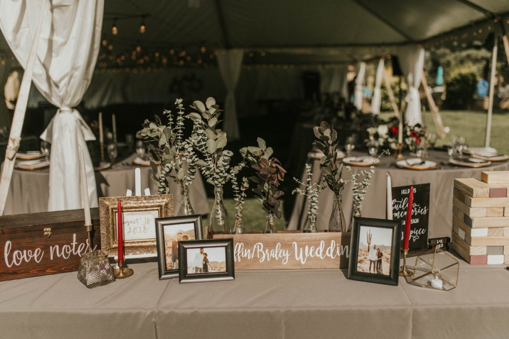 desert whim moody modern love arizona wedding (53)