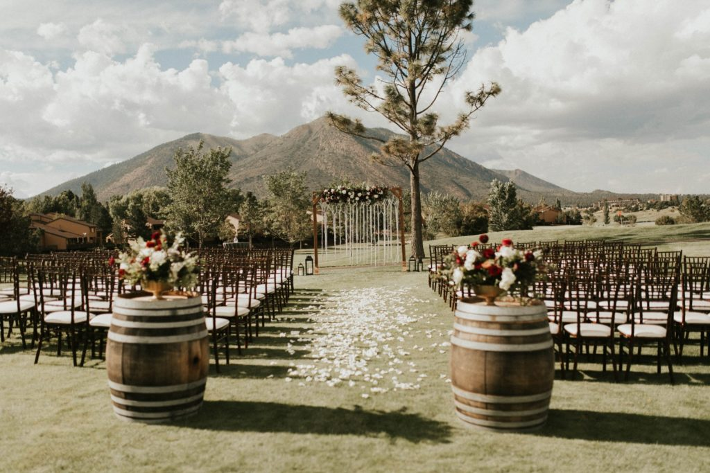 desert whim moody modern love arizona wedding (54)