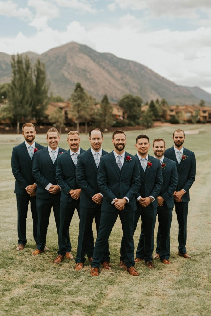 desert whim moody modern love arizona wedding (8)